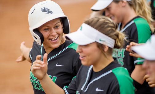 Softball sweeps Roadrunners to stay in the running for C-USA championship