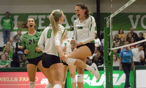 North Texas volleyball improves to 4-1 in conference, overcomes Southern Mississippi