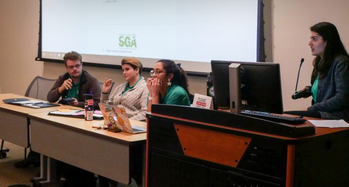 SGA Senate gains one member but stalls on legislation at latest meeting