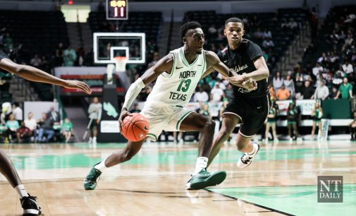 Men's basketball fires on all cylinder in season opener
