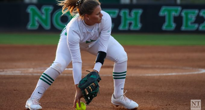 Softball's offense celebrates Mardi Gras with hit-parade in a 10-1 mercy rule victory