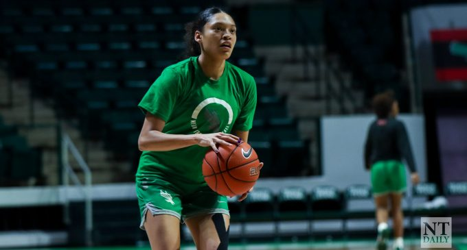 Summer Jones leading the stat books and her teammates, in first season with North Texas