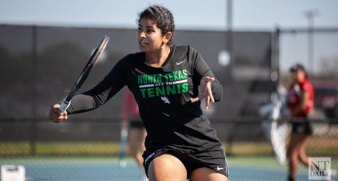 Mean Green tennis drops another close one, loses 4-3