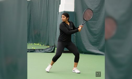 Women's tennis strikes aces in their first tournament back