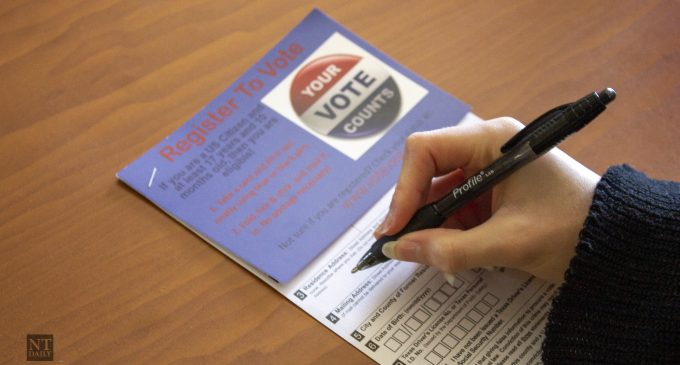 Organizations rush to register student voters in time for October deadline