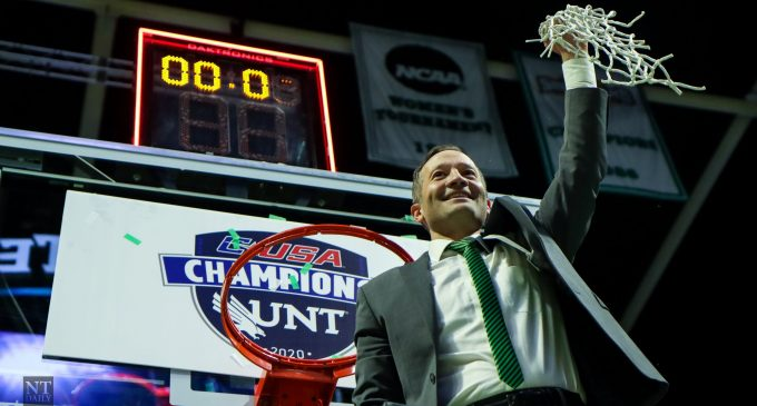 BREAKING: Contract extension approved for men's basketball head coach