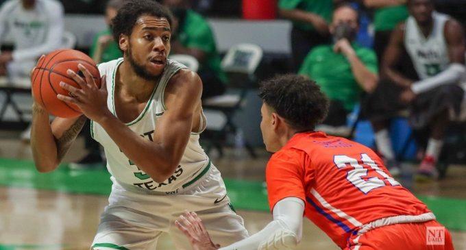 RECAP: Men's basketball wins high-scoring affair over LSU-Alexandria
