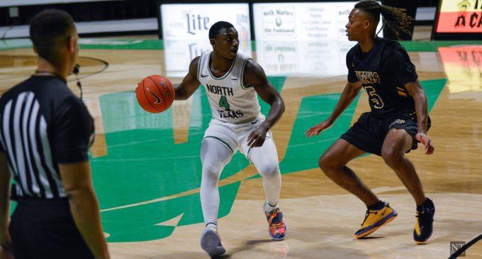 RECAP: Men's basketball loses defensive battle to Loyola Chicago