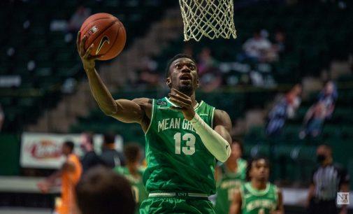 RECAP: Men's basketball sweeps UTEP after a balanced scoring effort