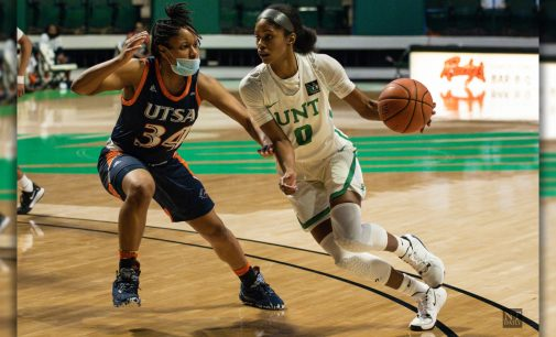 Recap: Women's basketball take game one against Roadrunners in back-and-fourth shootout