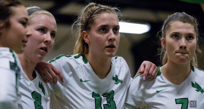 Recap: Volleyball falls to No. 6 Baylor in Waco
