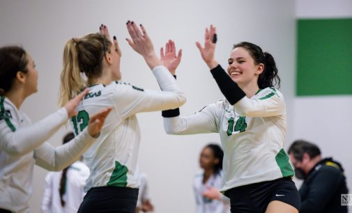 Recap: Volleyball snaps four game losing streak with win over Texas-Arlington