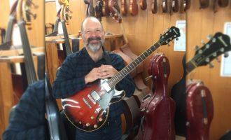 Jazz professor and guitarist leads L5 Guitar Ensemble through COVID-19 challenges