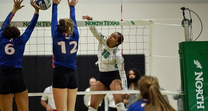 ICYMI: Volleyball struggles to keep up in loss against Rice